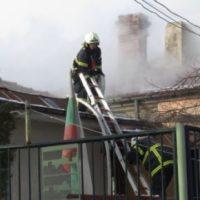 Пожар в Русе остави без дом семейство с 11 деца